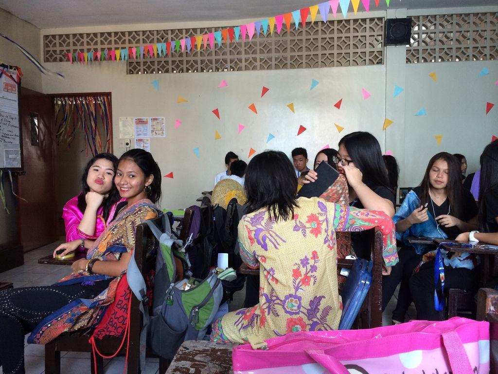 Die Mädchen aus meiner Klasse bei der Vorbereitung