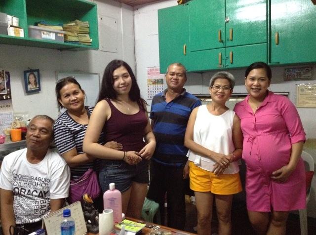 Familientreffen im Zahntechnik-Labor meiner Tante