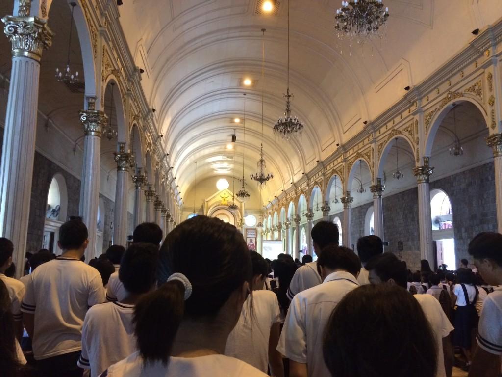 In der Kathedrale neben unserer Schule während einer (Pflicht-)Messe